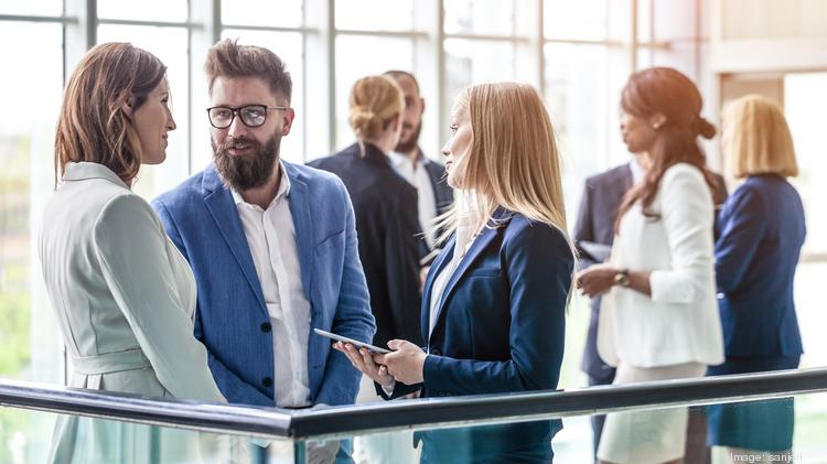 7 pro tips to efficiently network at the business conference