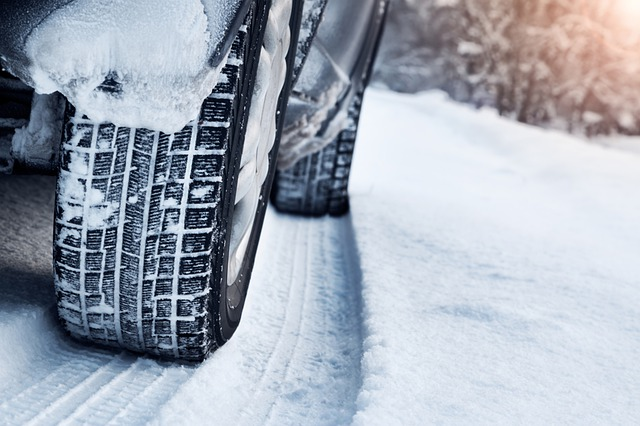 What is a Better Choice, Non-Studded or All-Weather Tyres?