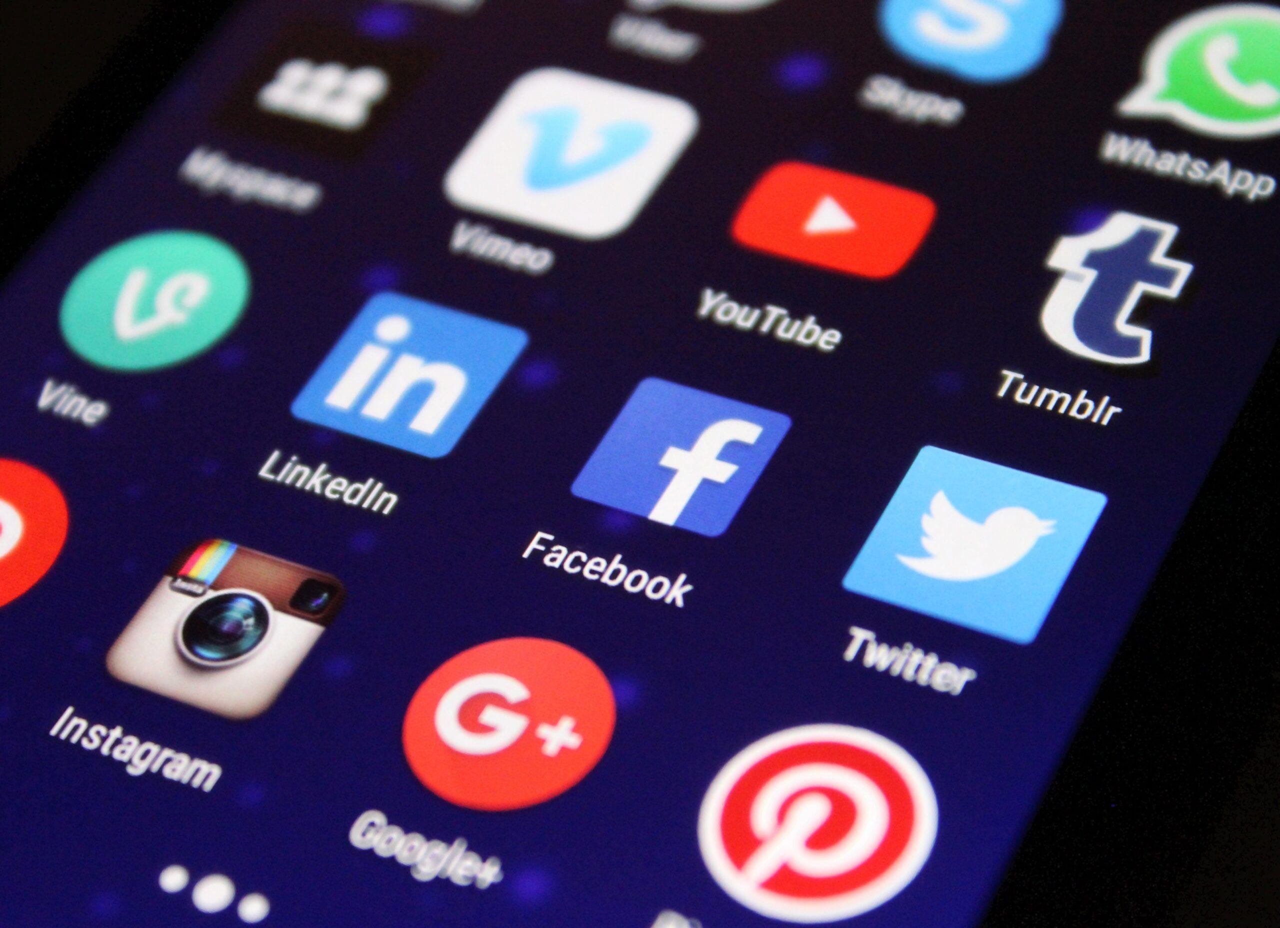 Mind-blowing Hacks For B2B Social Media Marketing Success